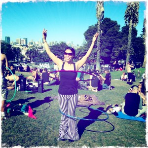 Hooping with Nicole Wong in Dolores Park